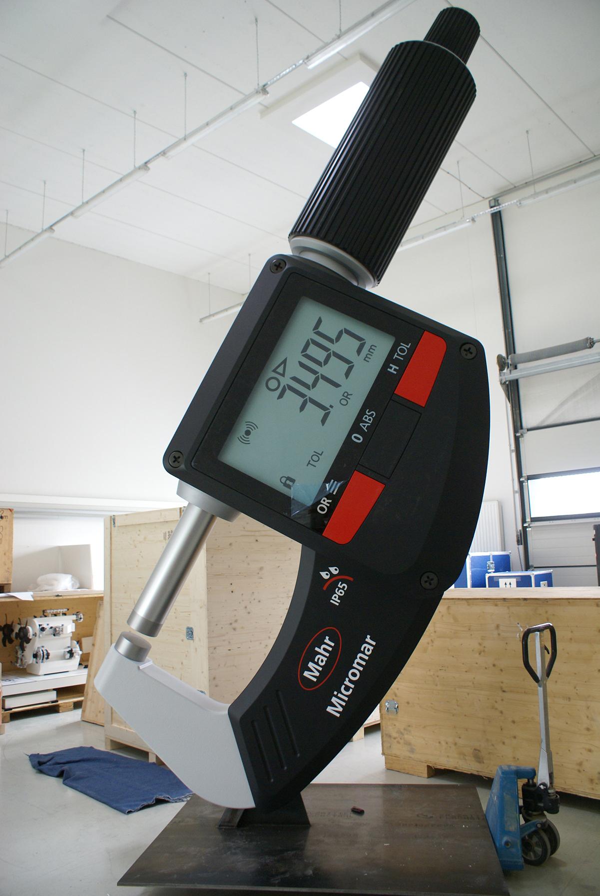 Bügelmessschraube M 30:1, Höhe 5 m, Mahr GmbH