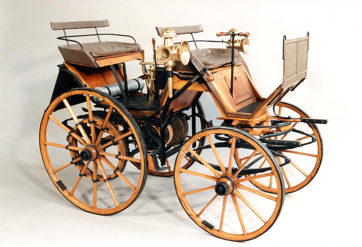 Daimler Motorkutsche M 1:10, Mercedes-Benz Museum